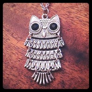 "Jewelry - Antique Silver Tone Owl Necklace 20"" Long New"